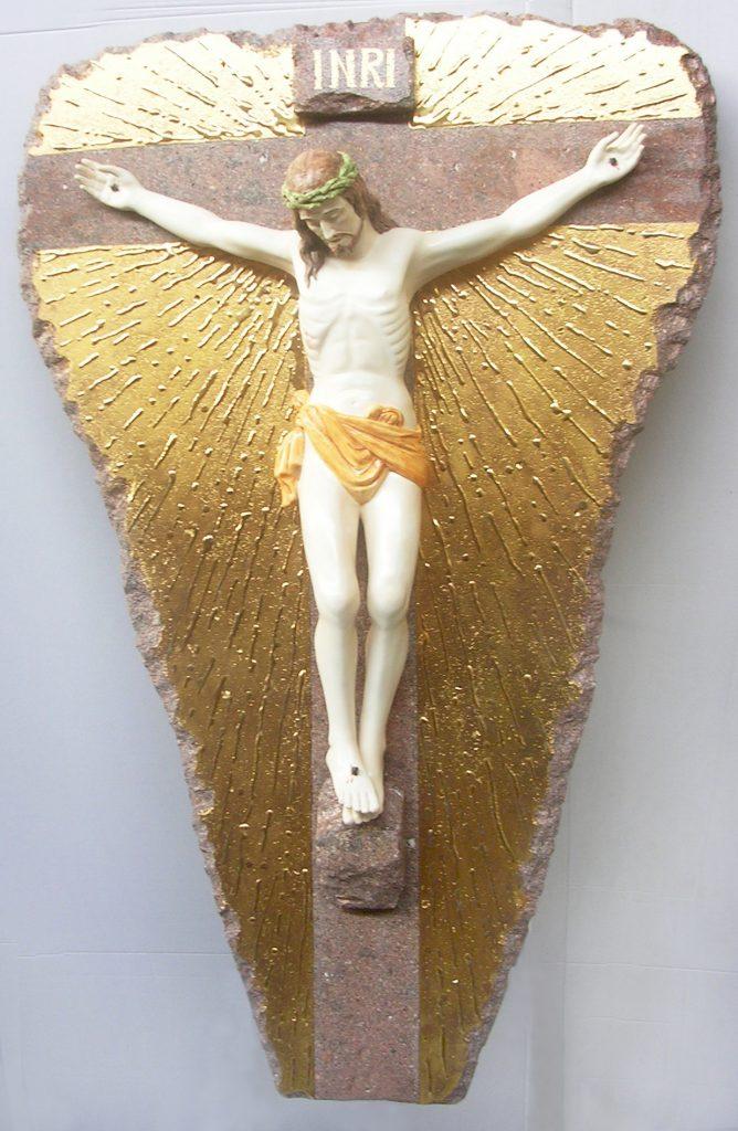 Crocifisso su pietra lavica fondo dorato cm.135x90