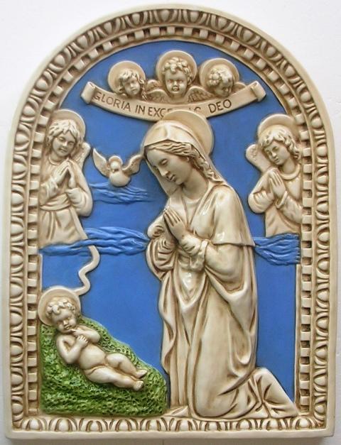 Riproduzioni e nuove immagini in stile Della Robbia.